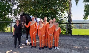 Gabi von Laufenberg, Cassis und die M-Gruppe
